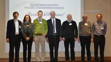 Managing Board of the new DZIF Transplant Cohort (from left to right): Prof. Dr. Dirk Busch (Munich), Prof. Dr. Claudia Sommerer (Heidelberg), Prof. Dr. Wolfgang Bethge (Tübingen), Prof. Dr. Arnold Ganser (Hannover), Prof. Dr. Lutz Renders (Munich), Prof. Dr. Klaus Kuhn (Munich), Prof. Dr. Thomas Schulz (Hanover)